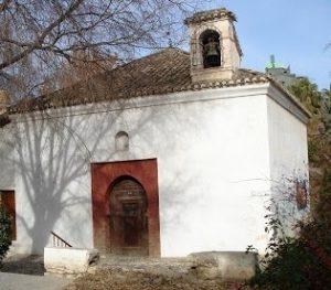 Figura 3. Ermita de San Sebastián, una mezquita a las afueras de Granada donde, según algunos historiadores, se produjo la rendición y entrega de llaves de la Alhambra. (http://www.grandesbatallas.es/batalla%20de%20granada.html)