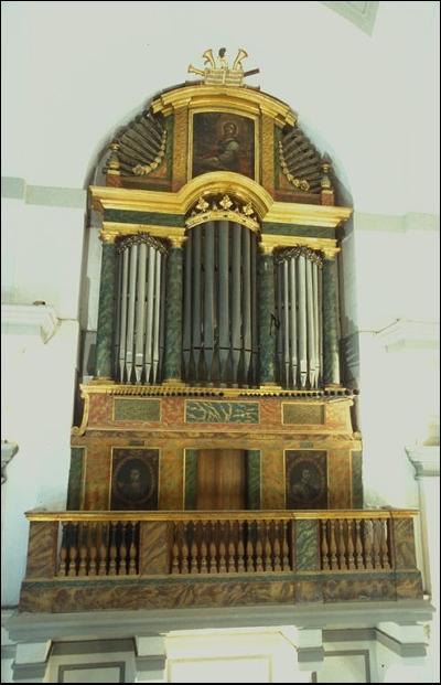 Órgano de la Parroquia/ FOTO: Sánchez Montalban (2004) IPHA