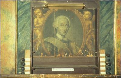 Retrato de Carlos III en el órgano de la Parroquia/ FOTO:Sánchez Montalban (2004), IPHA