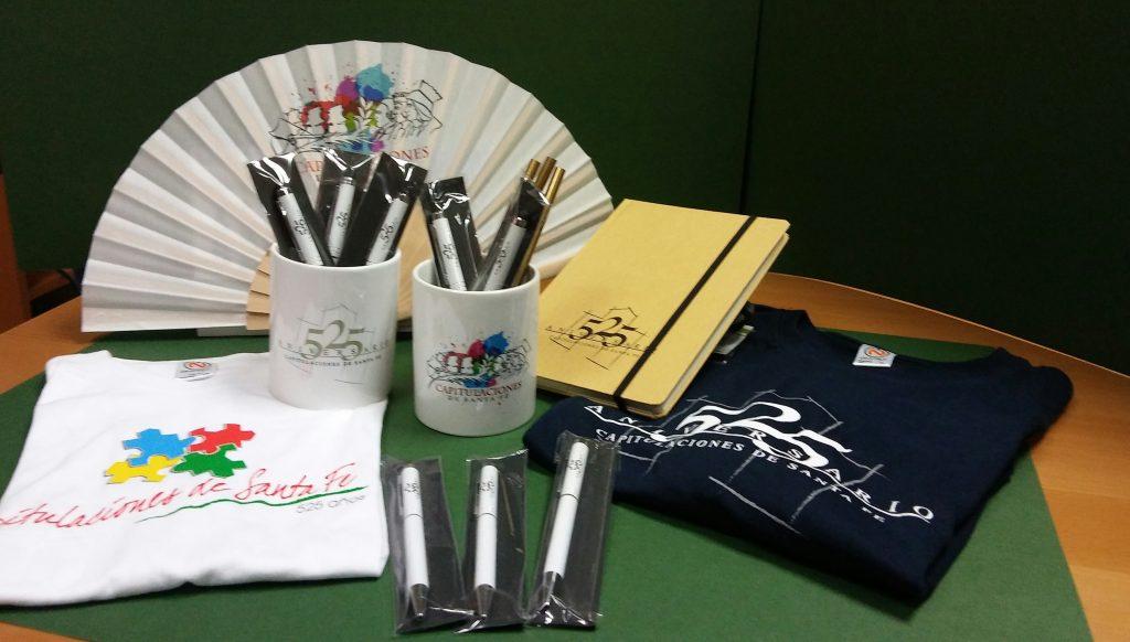 la Librería Hidalgo ofrecerá camisetas, libretas, tazas, abanicos, bolígrafos conmemorativos.