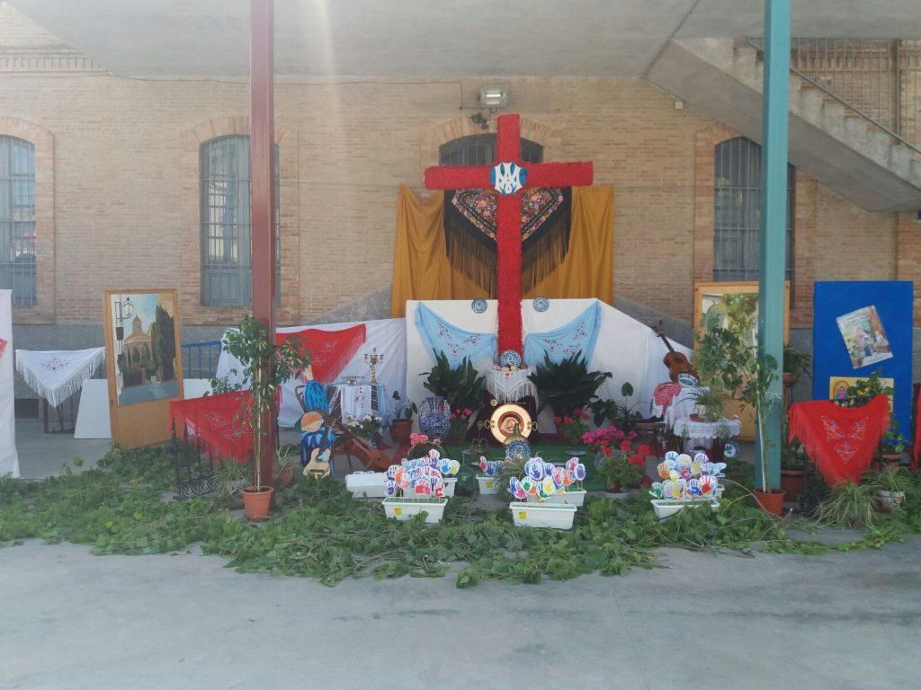 Cruz del Colegio Carmen Sallés.
