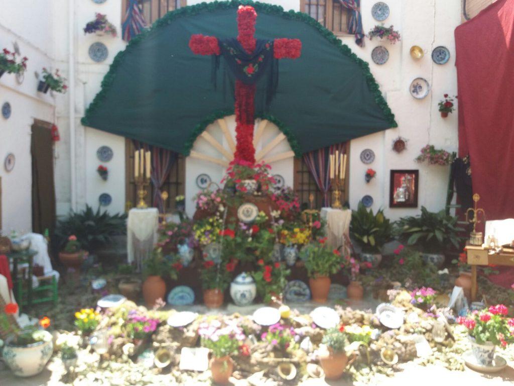 Cruz de la Hermandad Patronal de San Agustín.